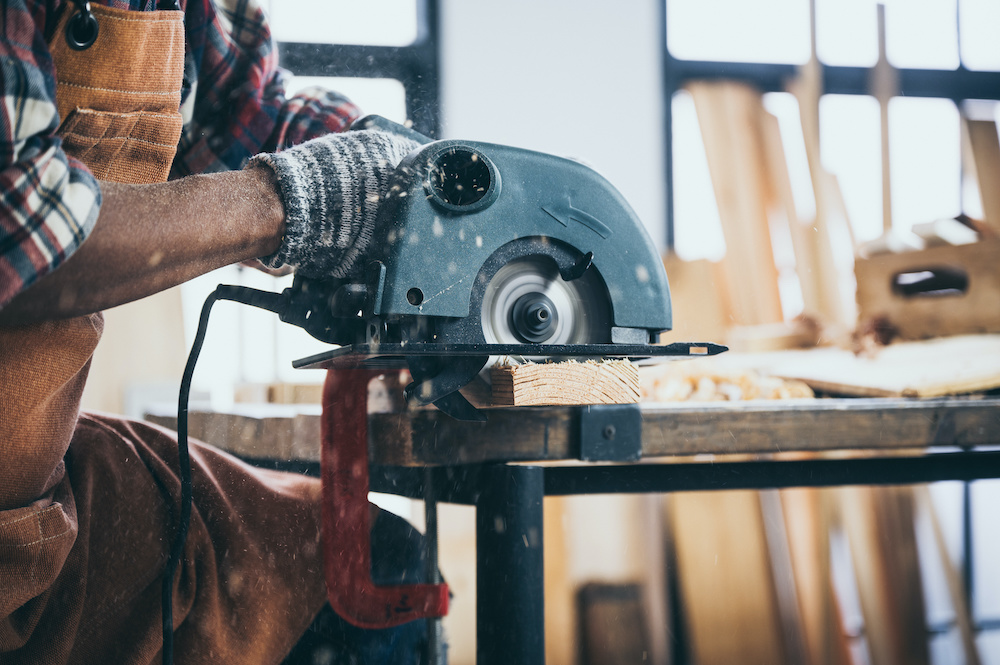 how to cut angles with a circular saw