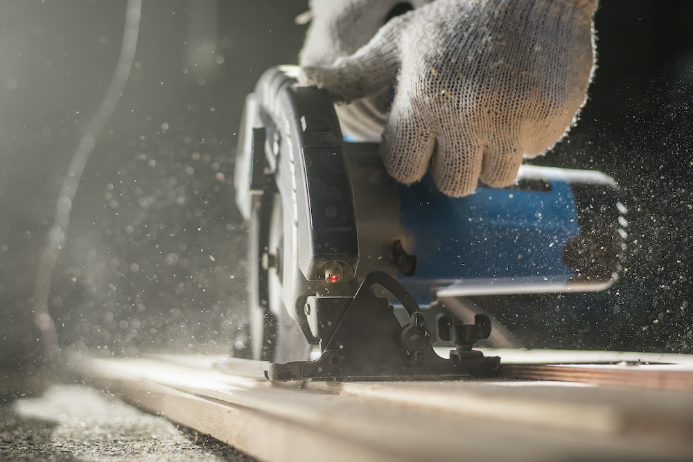 who invented the circular saw
